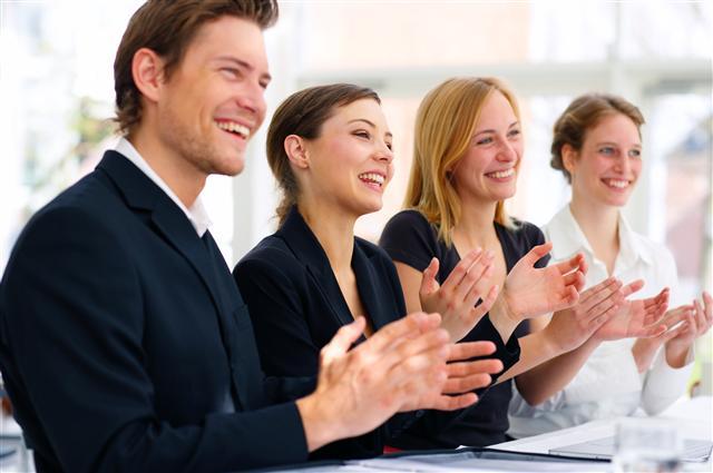 nghe thuat khen thuong nhan vien - Những cách quản lý nhân viên một cách hiệu quả nhất