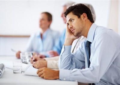 Nhân viên làm việc thiếu chủ động, đợi giao việc rồi mới làm