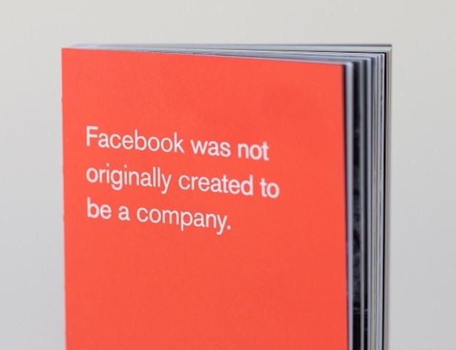 Bật mí về cuốn sách nhỏ màu đỏ trên bàn tất cả các nhân viên Facebook 2
