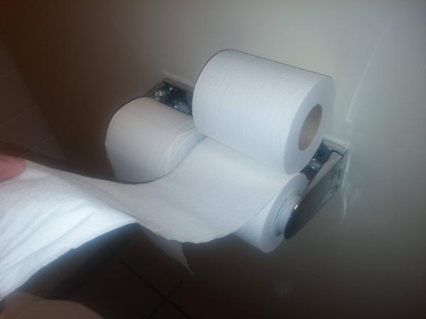 Giấy vệ sinh hai lớp có làm bạn thấy thoải mái hơn