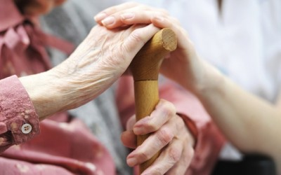 Những khoảnh khắc khiến bạn lập tức nhận ra cha mẹ đã già rồi