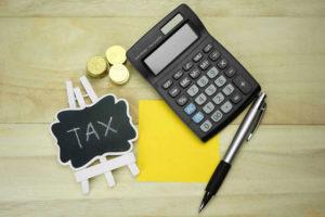 Đóng thuế